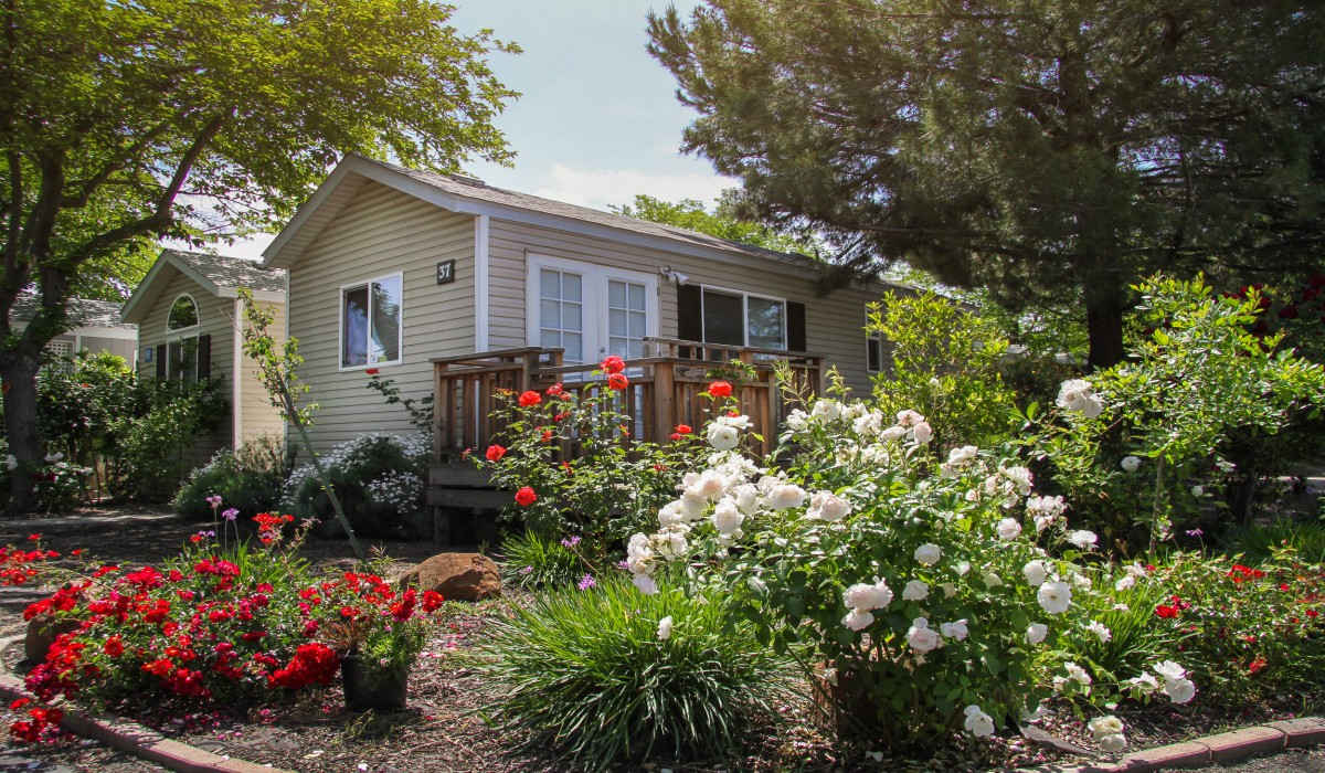 Arden Acres - Wake up and smell the roses at Arden Acres Extended Stay