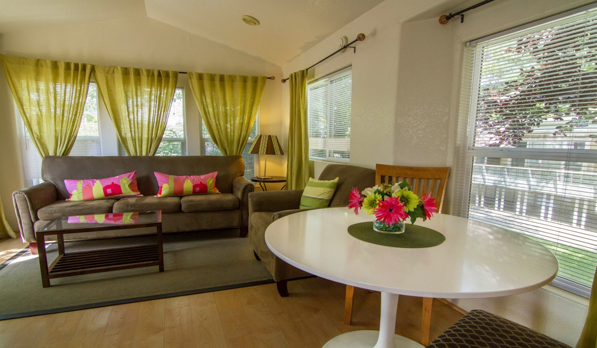 Arden Acres - Contemporary styled cottages for extended and corporate stay